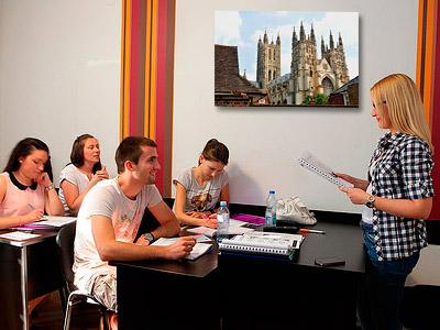 Grupo de cuatro en uno de nuestros cursos de inglés en Madrid
